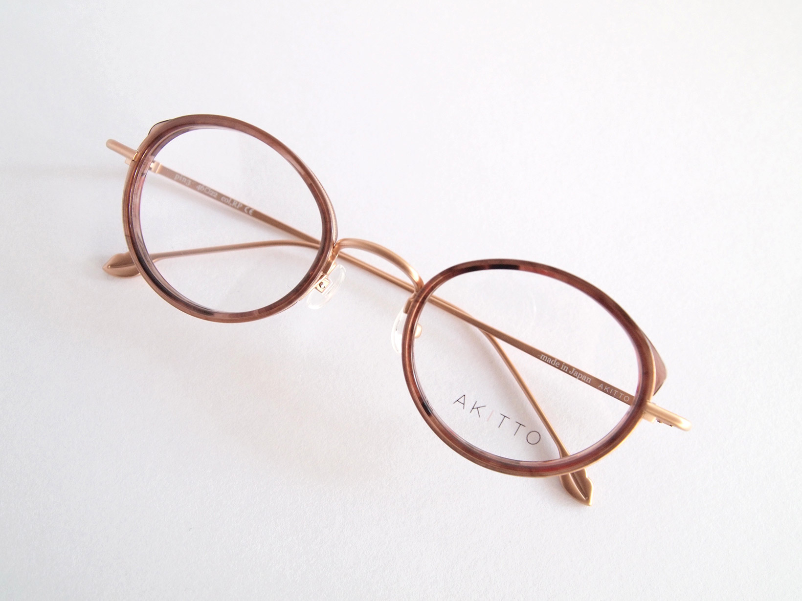 AKITTO 2018-1st pin3 color|RP size:46□22 material:titanium+acetate price:42,000-(+tax)