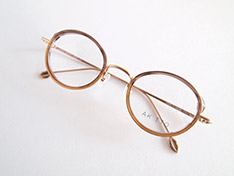 AKITTO 2018-1st pin3 color|SY size:46□22 material:titanium+acetate price:42,000-(+tax)