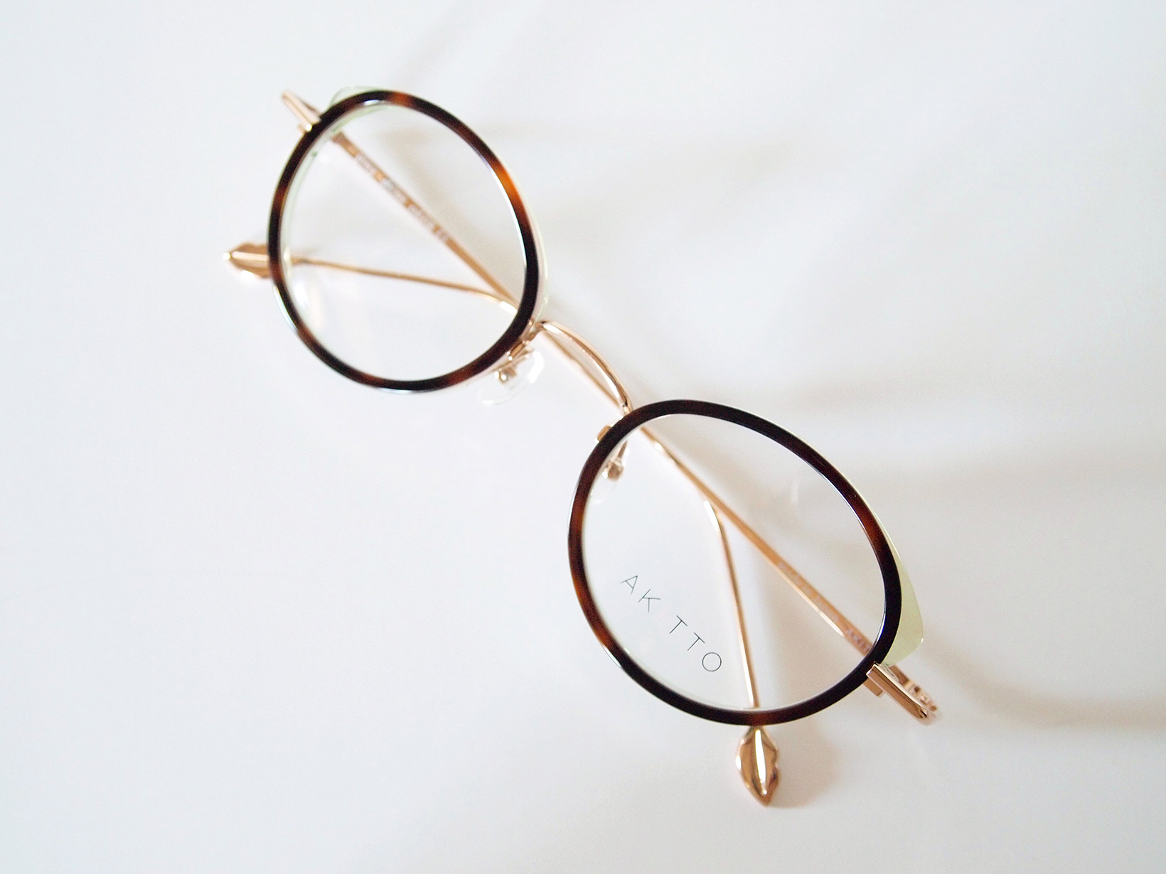 AKITTO 2018-1st pin3 color|GR size:46□22 material:titanium+acetate price:42,000-(+tax)