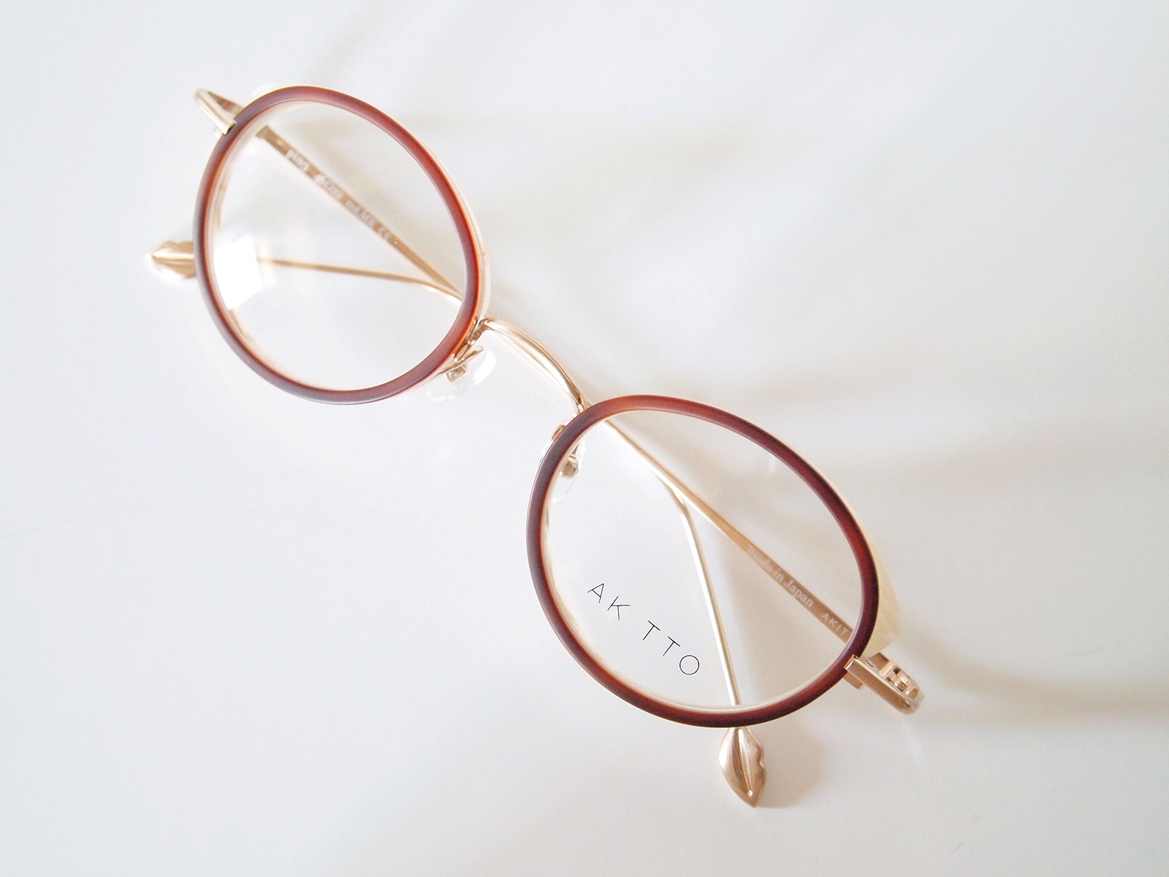AKITTO 2018-1st pin3 color|MK size:46□22 material:titanium+acetate price:42,000-(+tax)