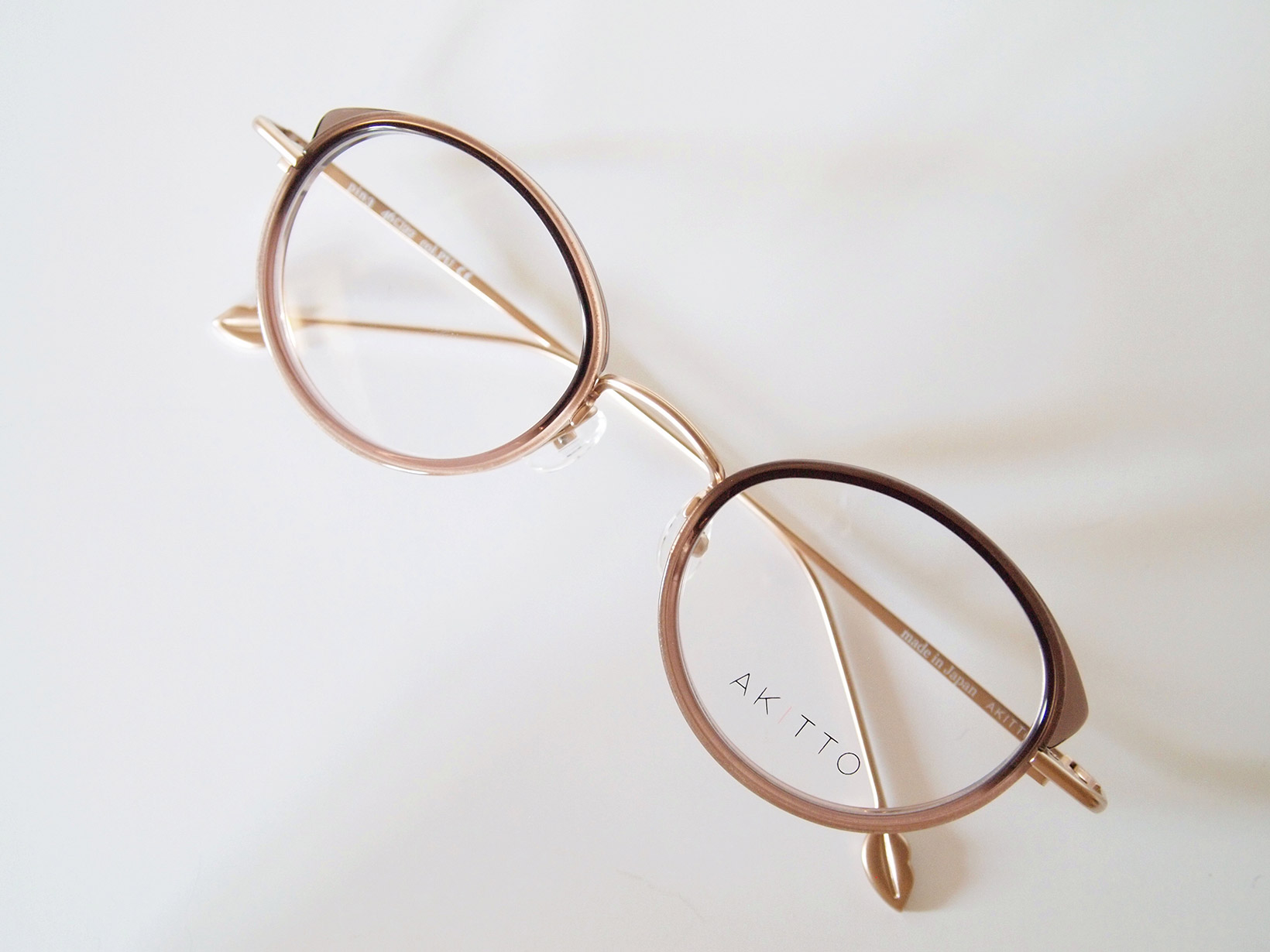 AKITTO 2018-1st pin3 color|PU size:46□22 material:titanium+acetate price:42,000-(+tax)