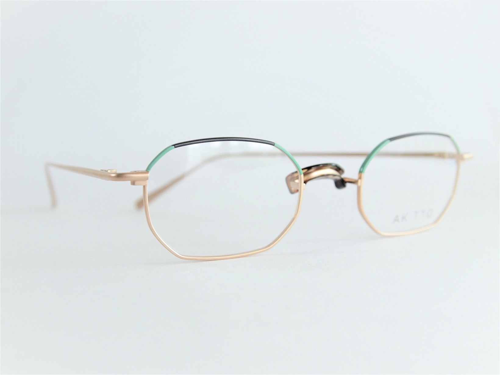 AKITTO 2018-3rd him2 color|4 size:45□22 material:titanium price:¥35,750-(+tax) *推奨プラスチックパッドは別売り
