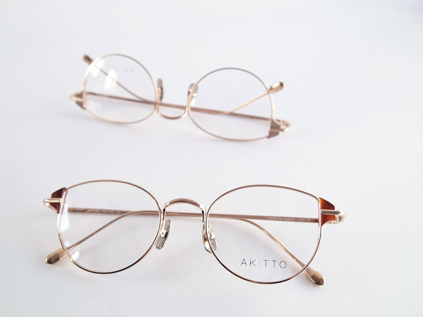 AKITTO 2019-1st pin6 size:47□19 material:titanium+acetate price:¥42,000-(+tax)