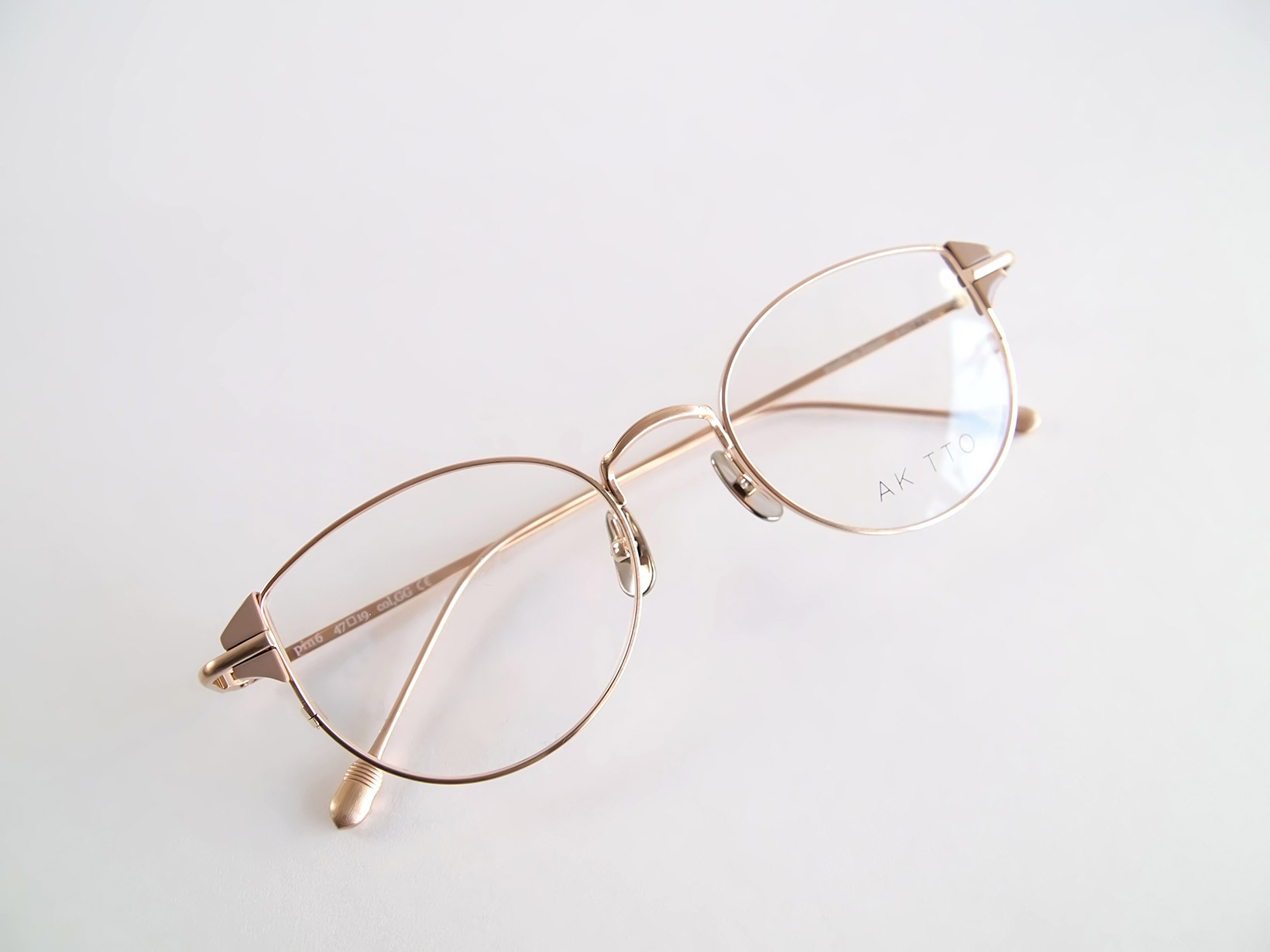 AKITTO 2019-1st pin6 color|GG size:47□19 material:titanium+acetate price:¥42,000-(+tax)