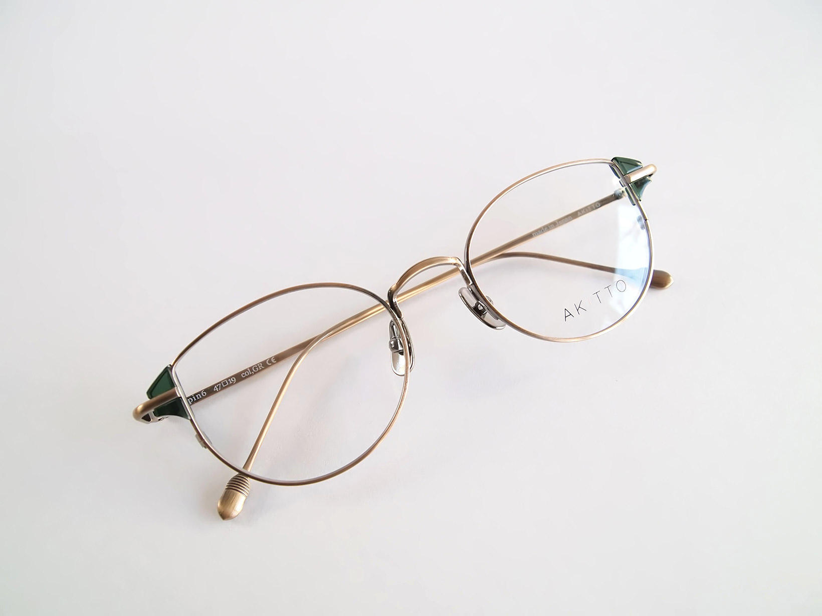 AKITTO 2019-1st pin6 color|GR size:47□19 material:titanium+acetate price:¥42,000-(+tax)