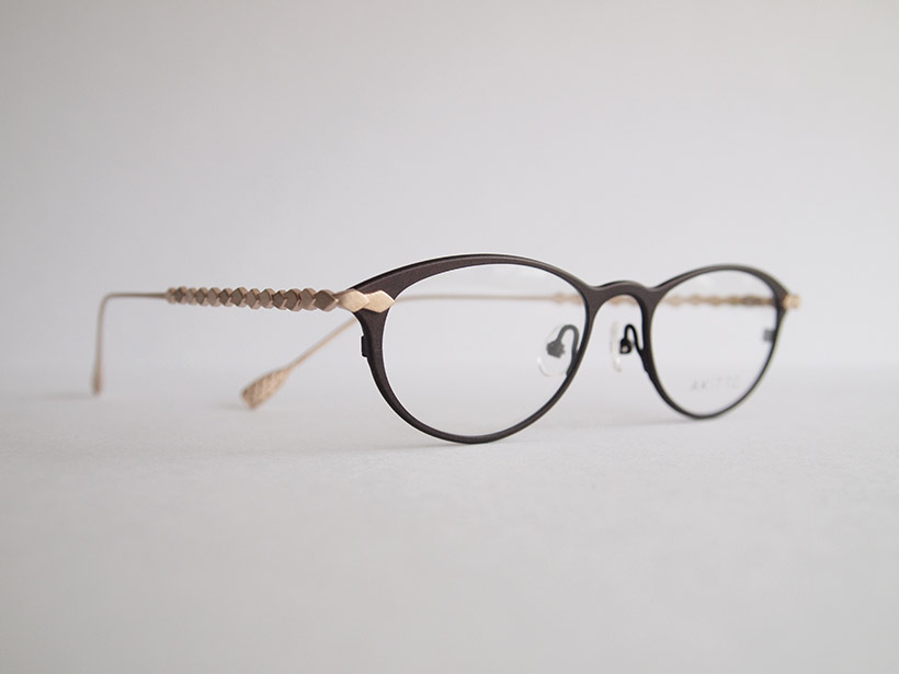 AKITTO 2020-2nd til color:DB size:48□18 material:titanium price:¥42,000(+tax)