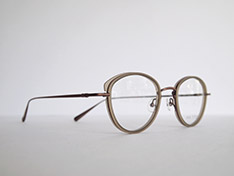 AKITTO 2020-3rd pin11 color:GN size:47□22 material:titanium+acetate price:¥42,000(+tax)